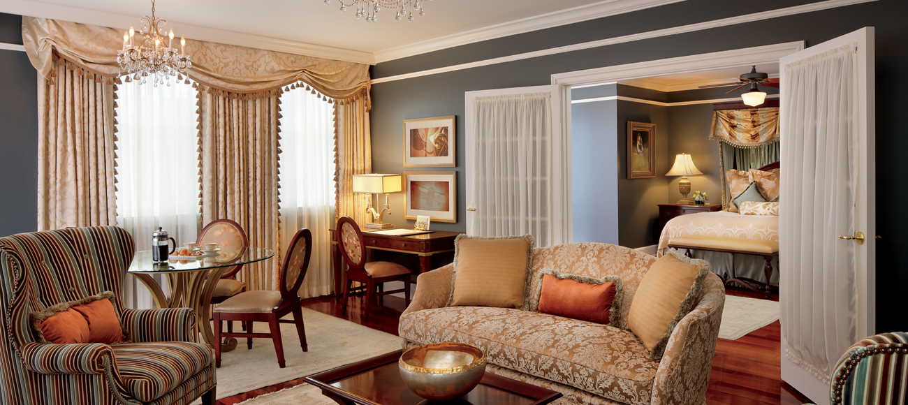 The Ritz Carlton Lounge 2