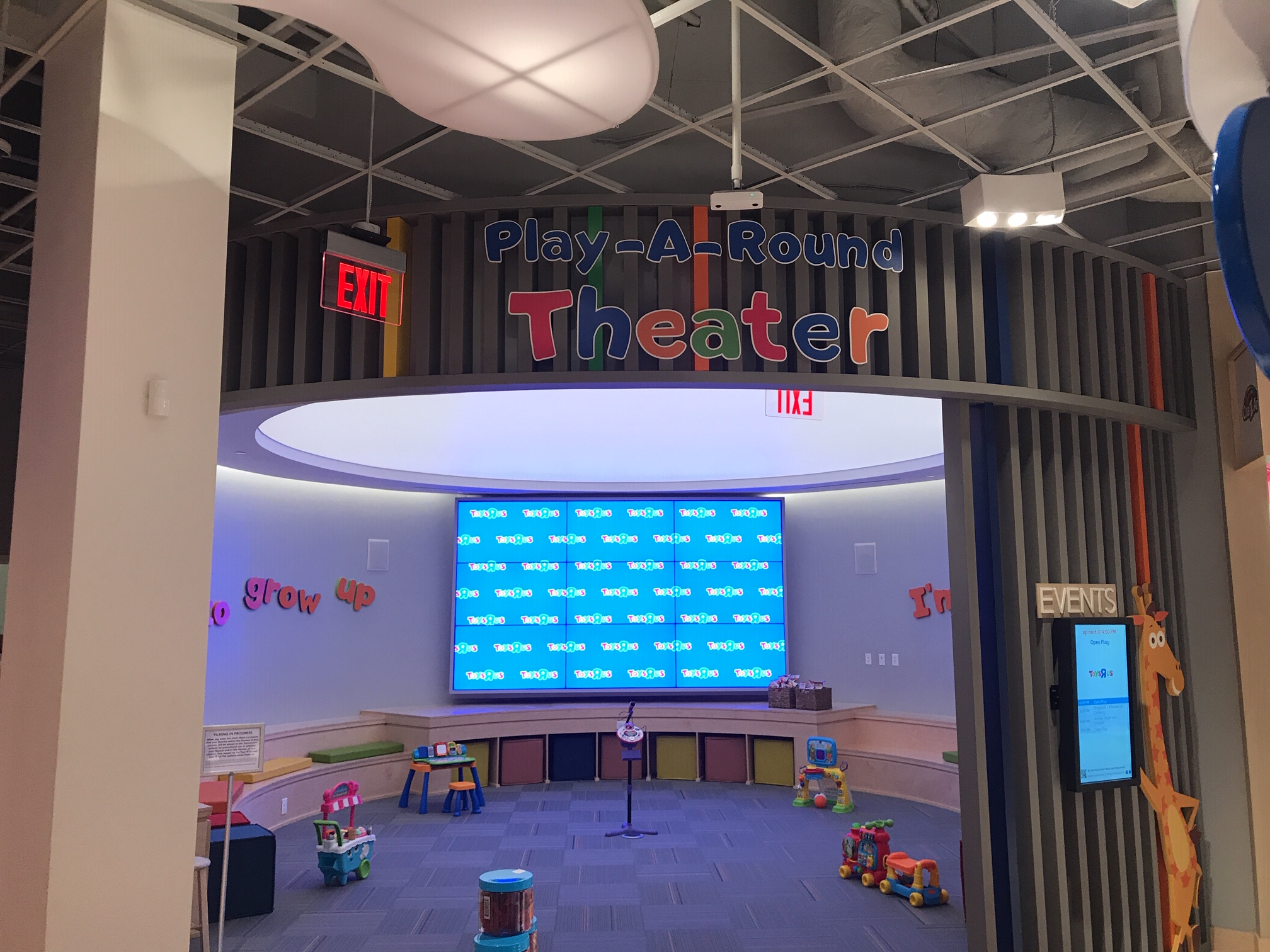 Stretch Fabric Structure -  Toys-R-Us