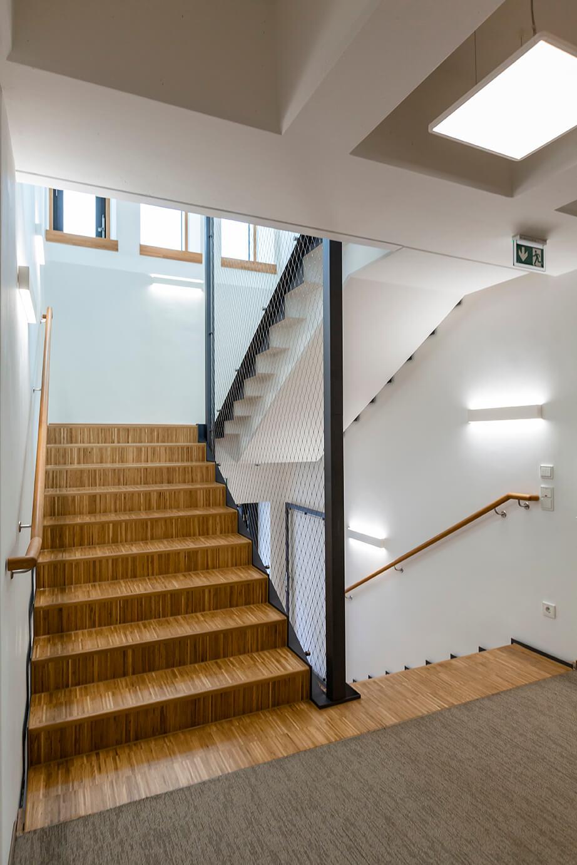 Treppe AS-Bau Hof Gebäude
