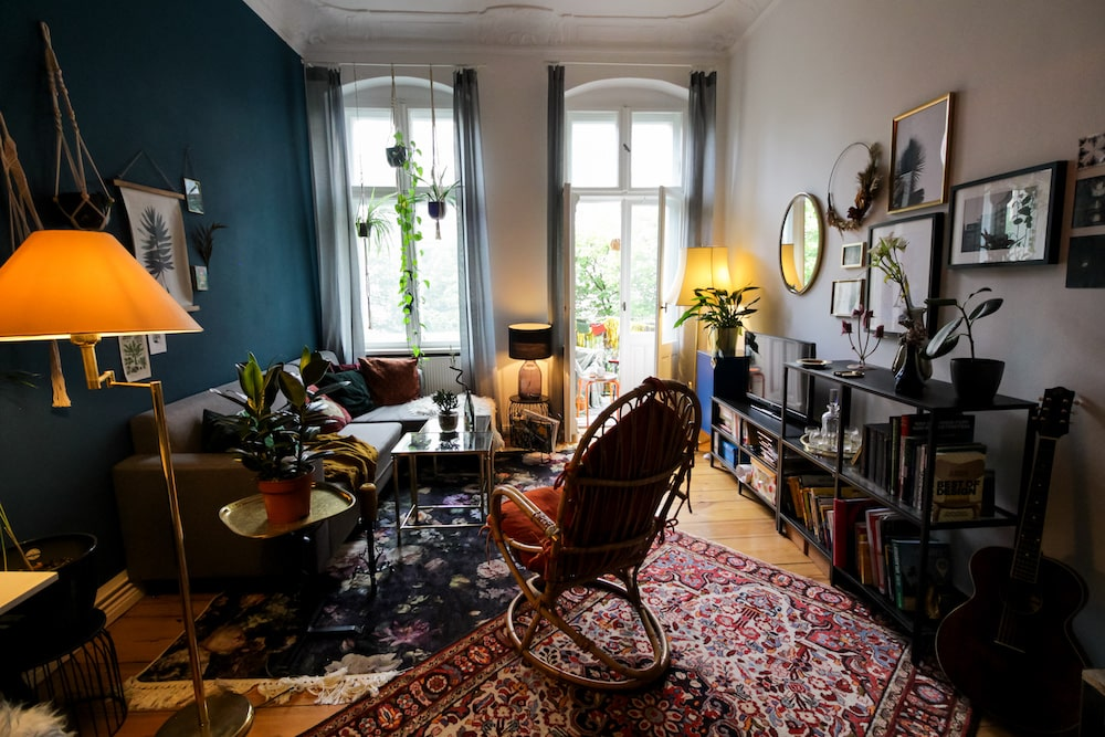 Eclectic living room in Berlin, available to rent in Beazy.