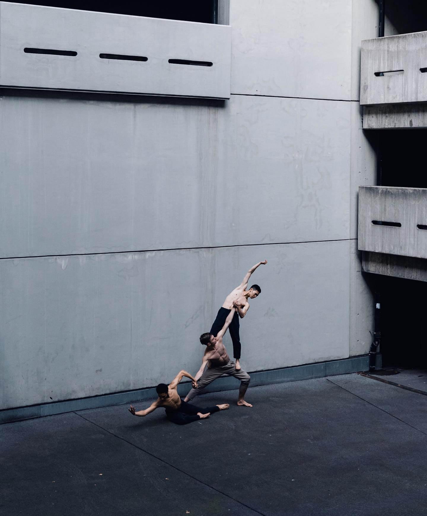 Minimalism architecture, human sculpture