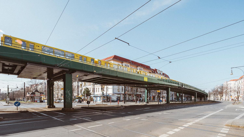 Ubahn, Berlin subway, green architecture, urban city