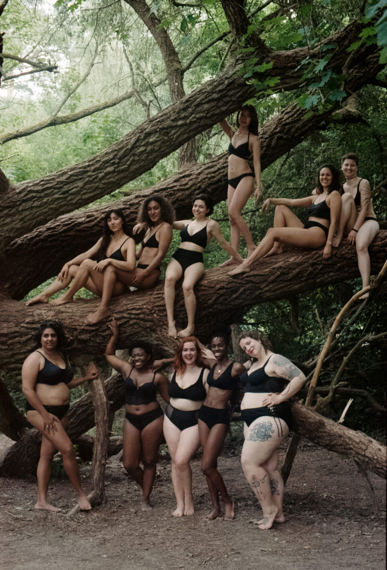 Summer Sisterhood - A photo of bodypositive women sitting on atr in Berlin, interview of Monika Kozub by Beazy on feminism and photography