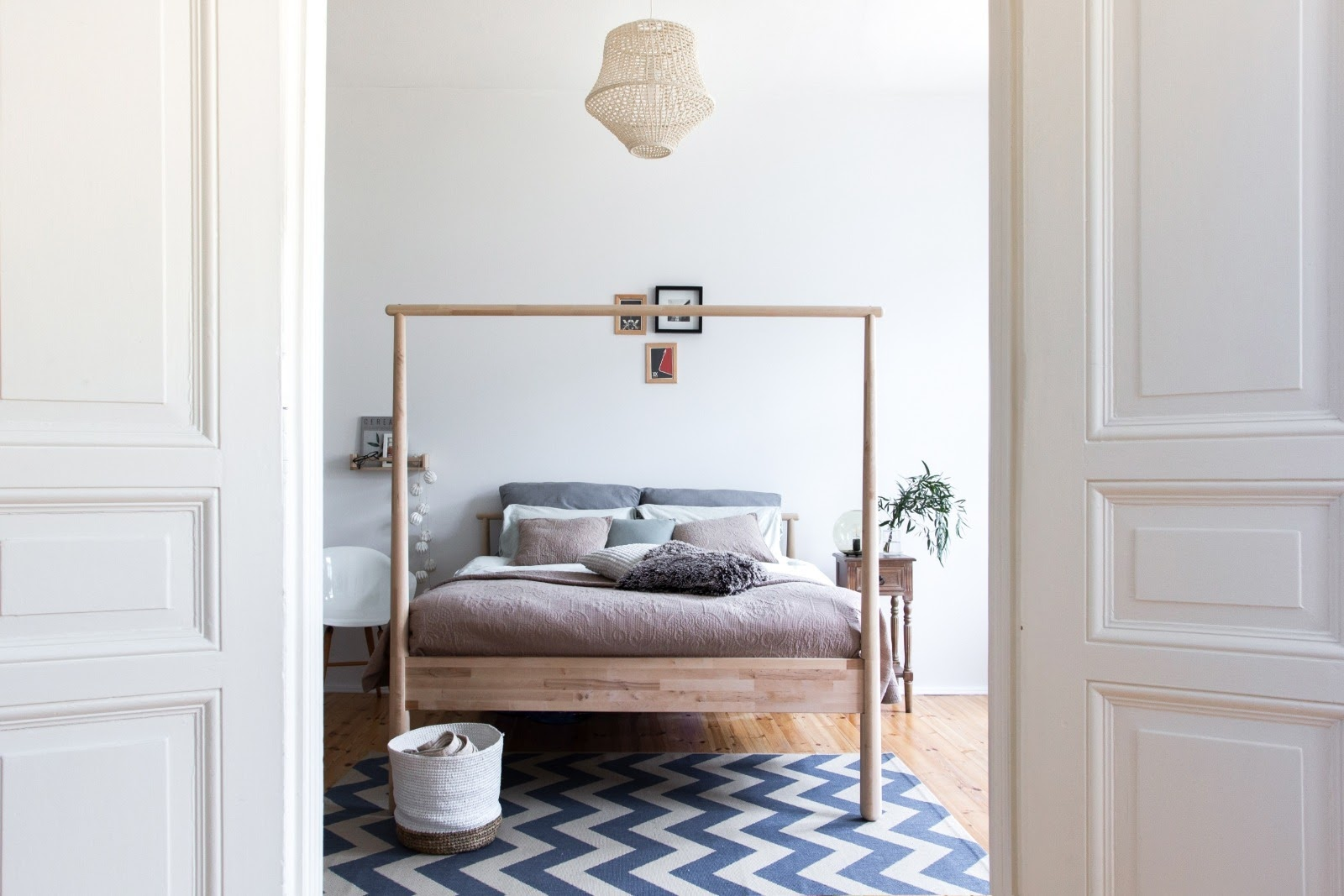 Bedroom of a bright scandinavian flat available for film productions in Berlin Germany