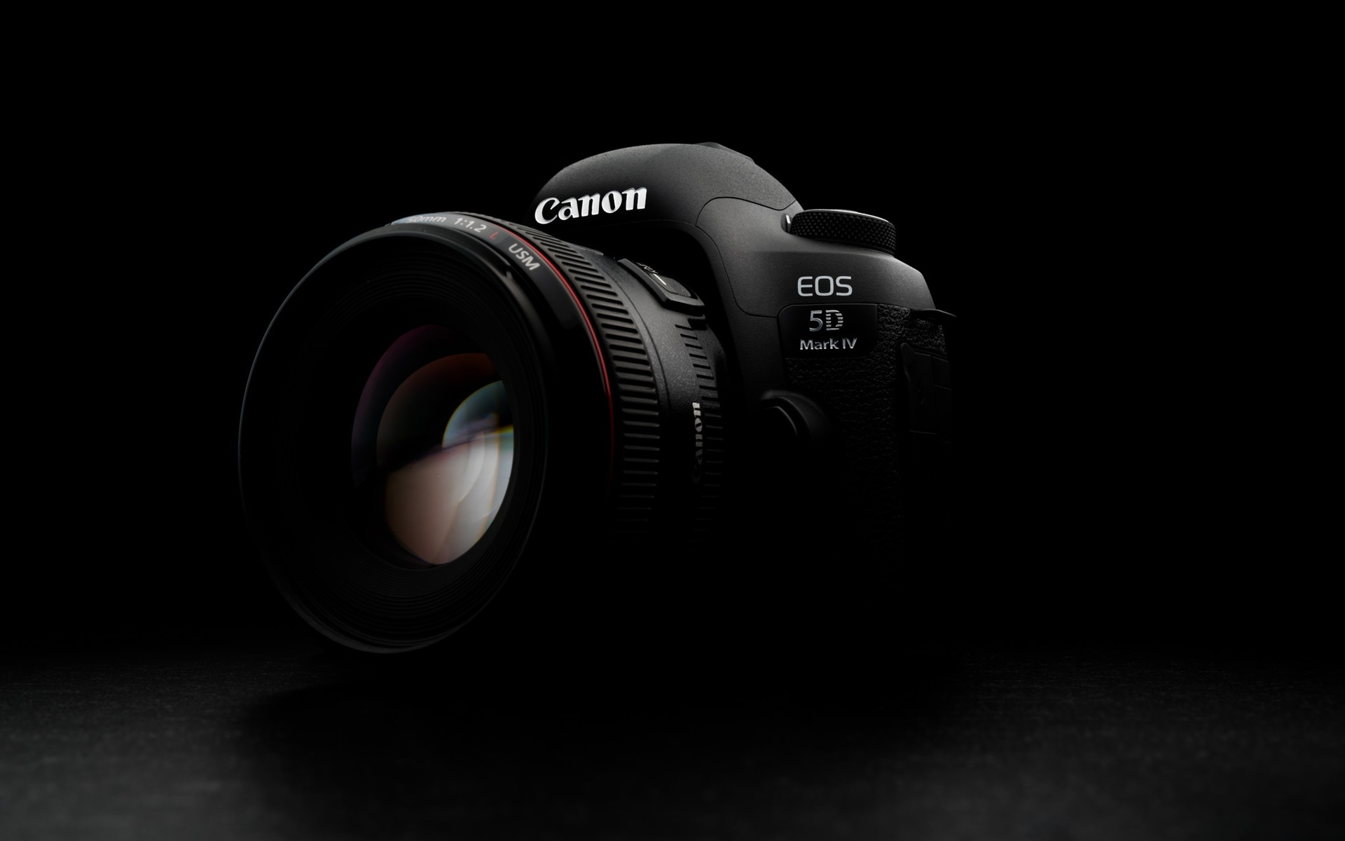 Rent the Canon 5D Mark IV in Berlin from 46€ per Day