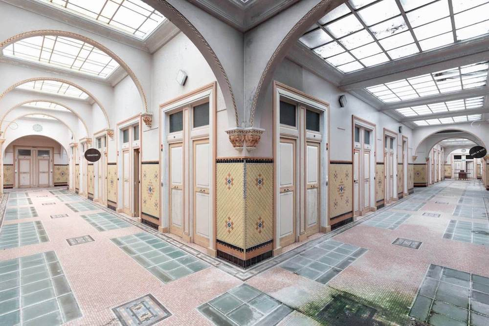 Top 10 architectural photographers in Berlin, interior of an abandoned spa.