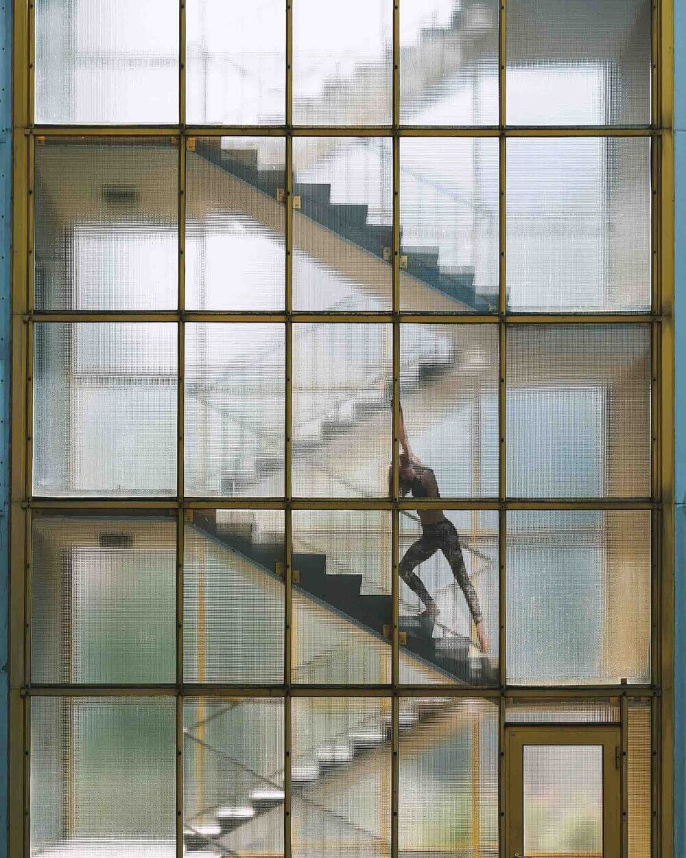 Glass building, minimalist architecture, dance model