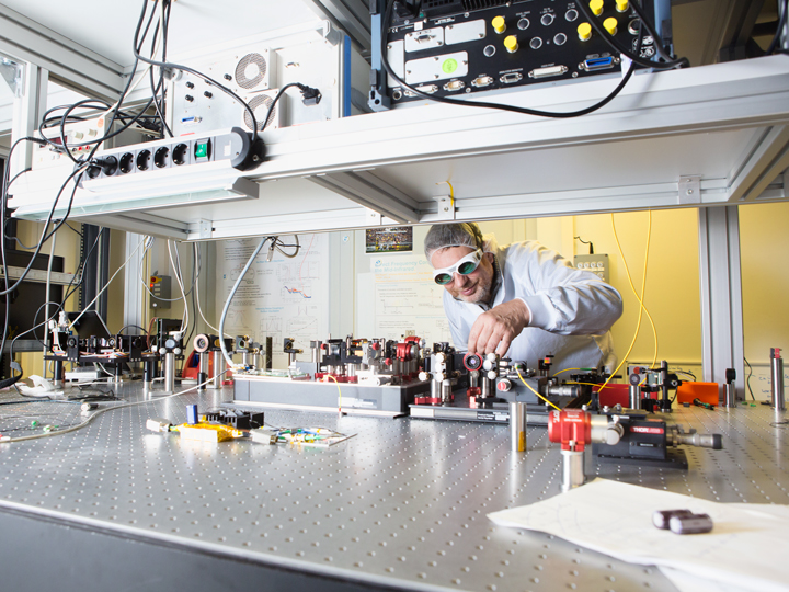 Ingmar Hartl photon scientific photo by Gesine Born