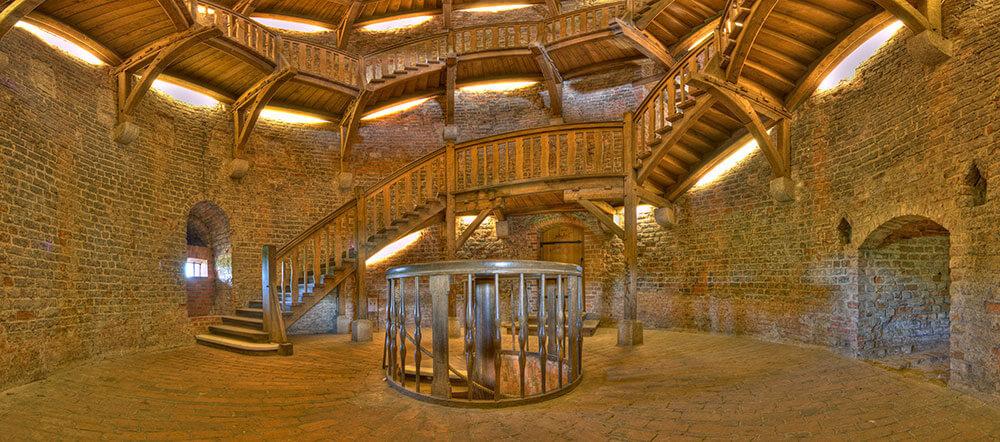 Alt: Castle photos, Berlin Medieval architecture pics, venue photos
