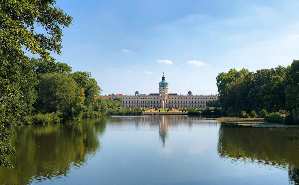 Alt: Nature photos, garden shoot, castle Berlin