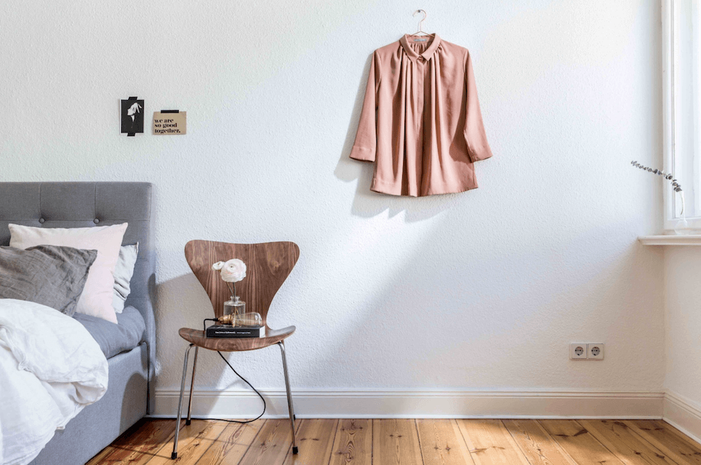 Be room of a minimalist apartment for rent for your next film production in Berlin, Germany. Minimalist and unique interior design