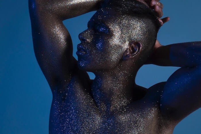 Book a Make up artist - black model with glitters