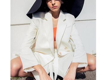 Model shot by Auriane Defert, photographer on Beazy