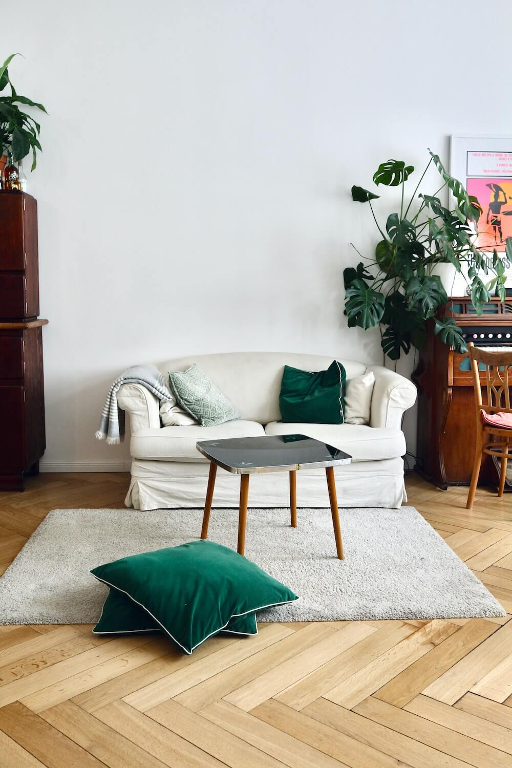 Interior and real estate Photography of a green living room