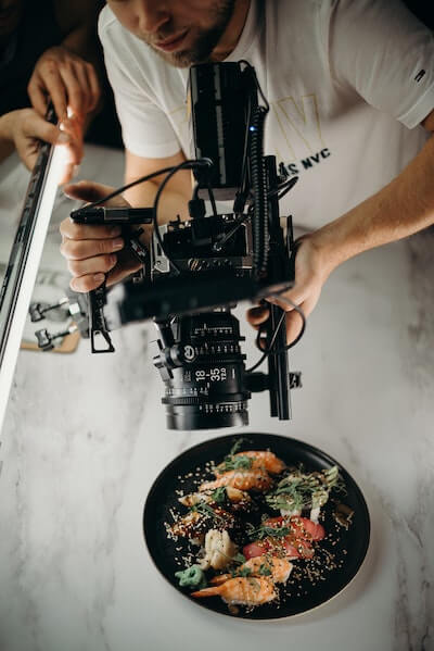 Book a marketing video or a promotional footage of your product for cheap with Beazy Pro