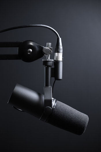 Beazy pro is a production service that supports you in the creation and recording of podcasts