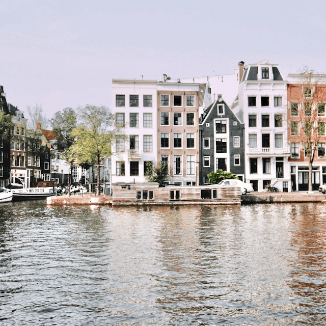 Photo of Amsterdam canals. Beazy offers photos and video services all over Europe.