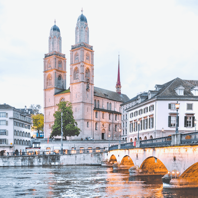 Photo from Zürich city center. Beazy offers photos and video services all over Europe.
