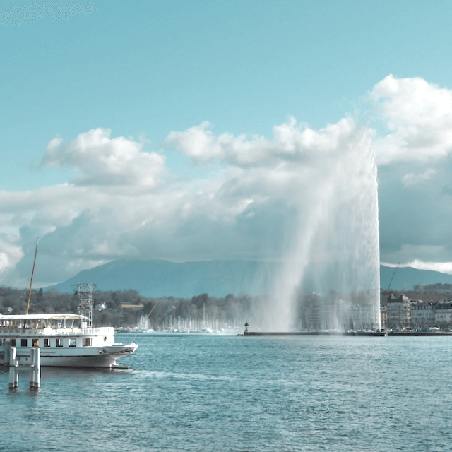 Photo of Geneva's water jet. Beazy offers photos and video services all over Europe.