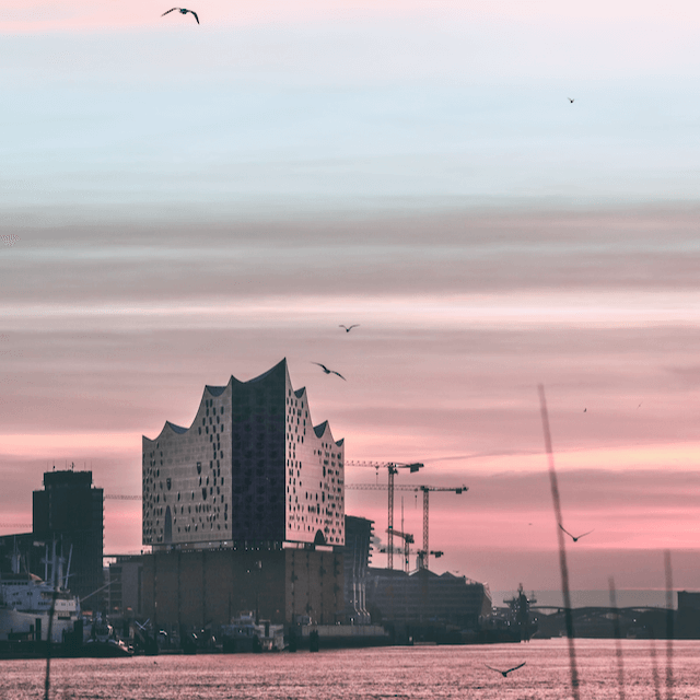 Photo of Hamburg during sunset. Beazy offers photos and video services all over Europe.