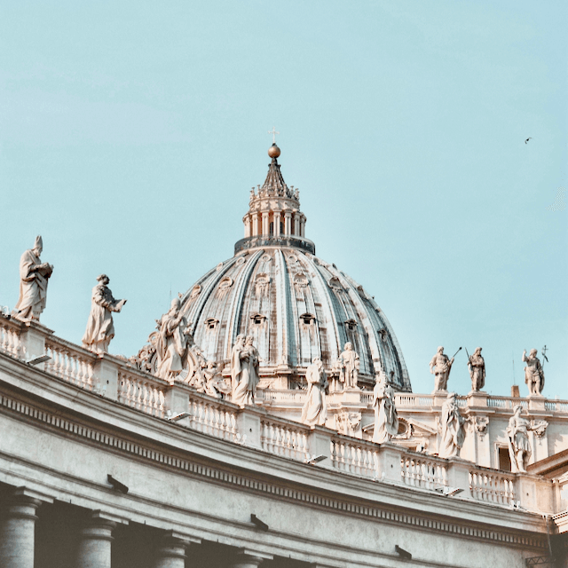 Photo of the Vatican in Rome. Beazy offers photos and video services all over Europe.