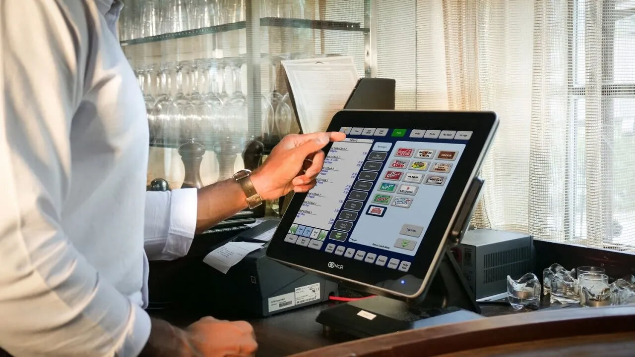 Aloha POS system in action