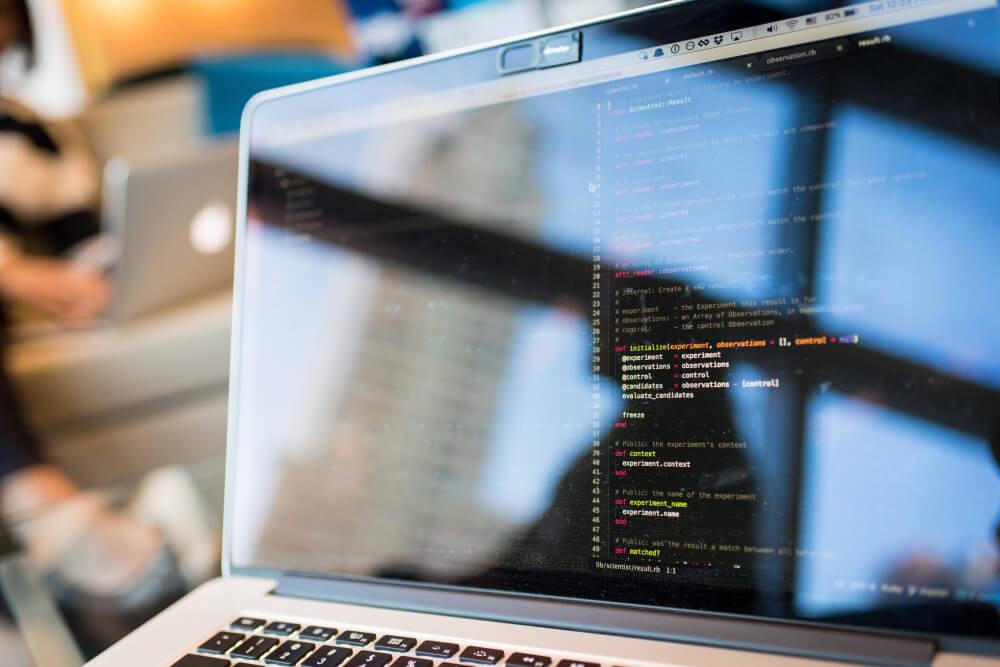5 principais benefícios da terceirização de serviços de TI