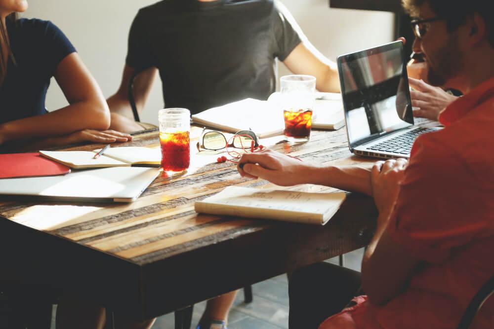 Como criar um plano de negócios de agência de marketing digital: tudo que você precisa saber