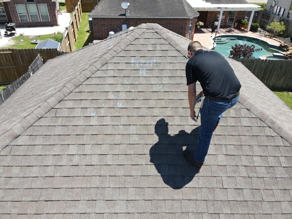 men roof image roofing