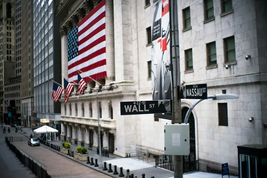 Image of Wall Street in New York City