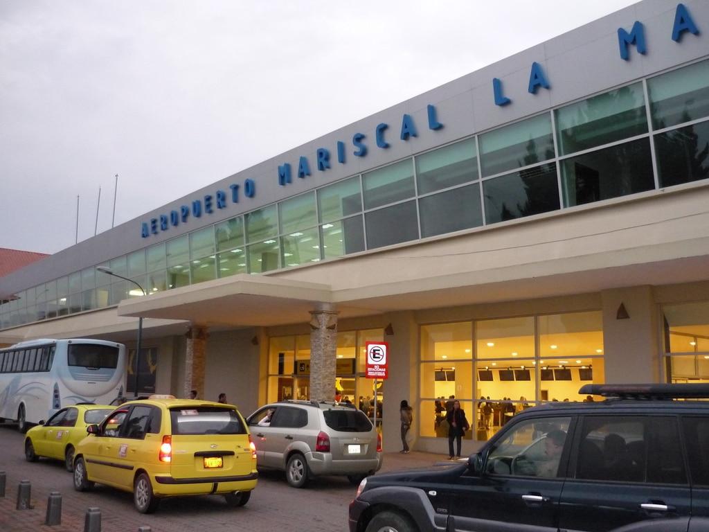 Mariscal Lamar International Airport