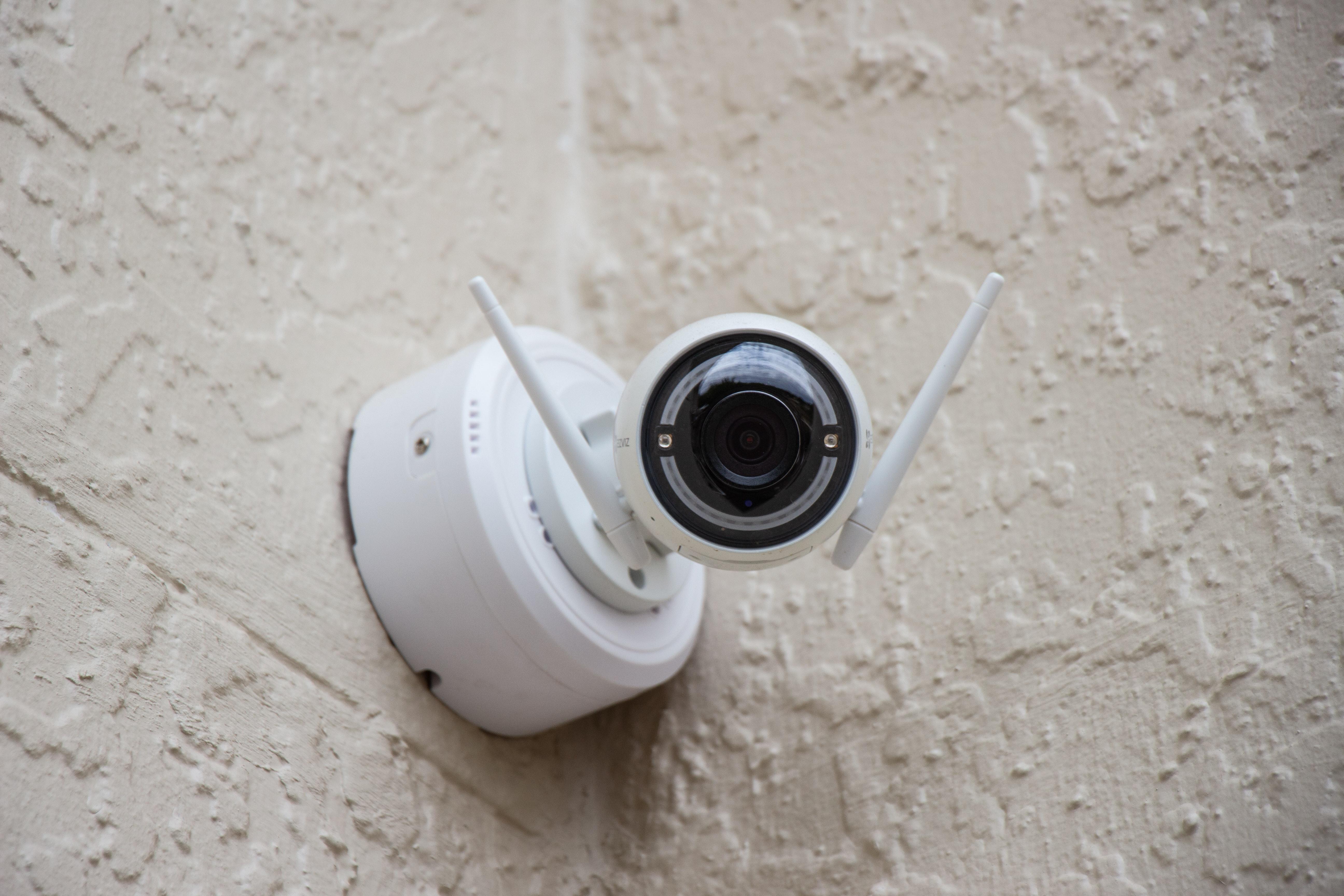 Kameravalvonta taloyhtiössä: laillista ja laitonta tilanteesta riippuen
