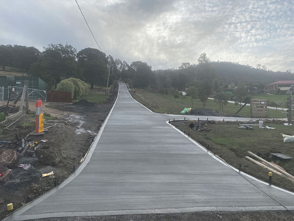 Con-Tek concrete pavement long driveway