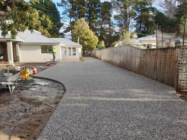 Con-Tek residential concrete pathway
