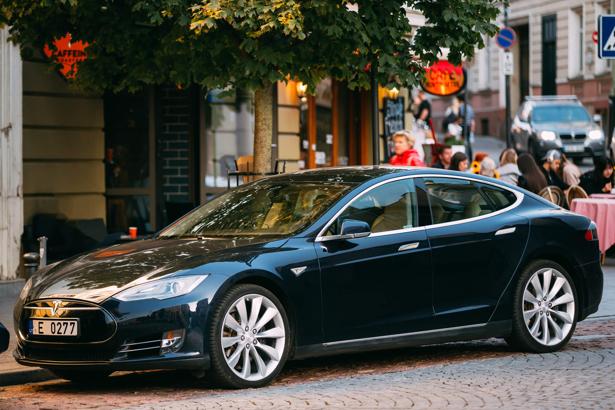 Older Tesla Model S battery lifespan