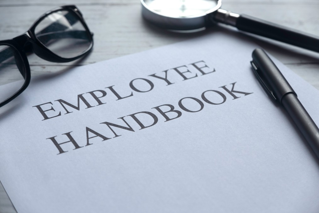 4 Critical Things You Should Never Leave Out of Your Nonprofit Employee Handbook
