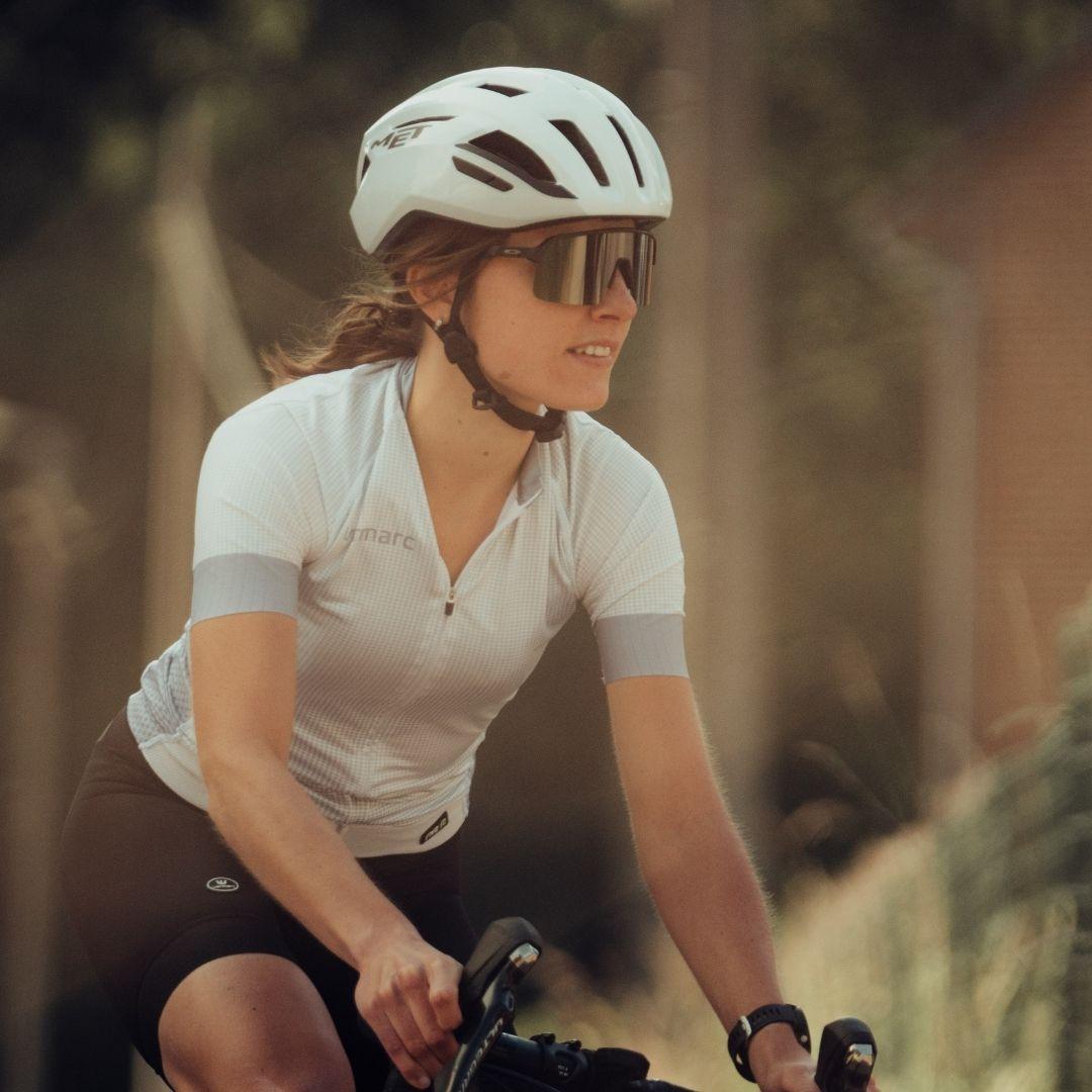 Vrouwelijke fietser