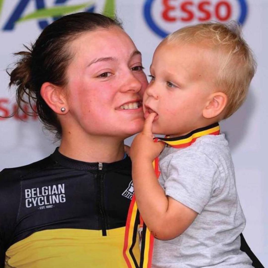 Jesse Vandenbulcke toen ze Belgisch kampioen geworden is in 2019.