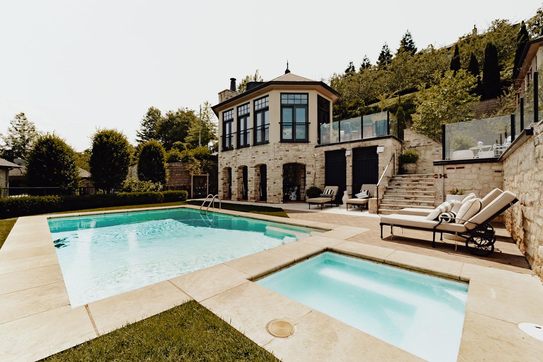 Custom pool and patio area by LA Construction, a custom home builder serving East Tennessee, Cherokee Lake, Dandridge, Jefferson County, Douglas Lake, and Hamblen County.