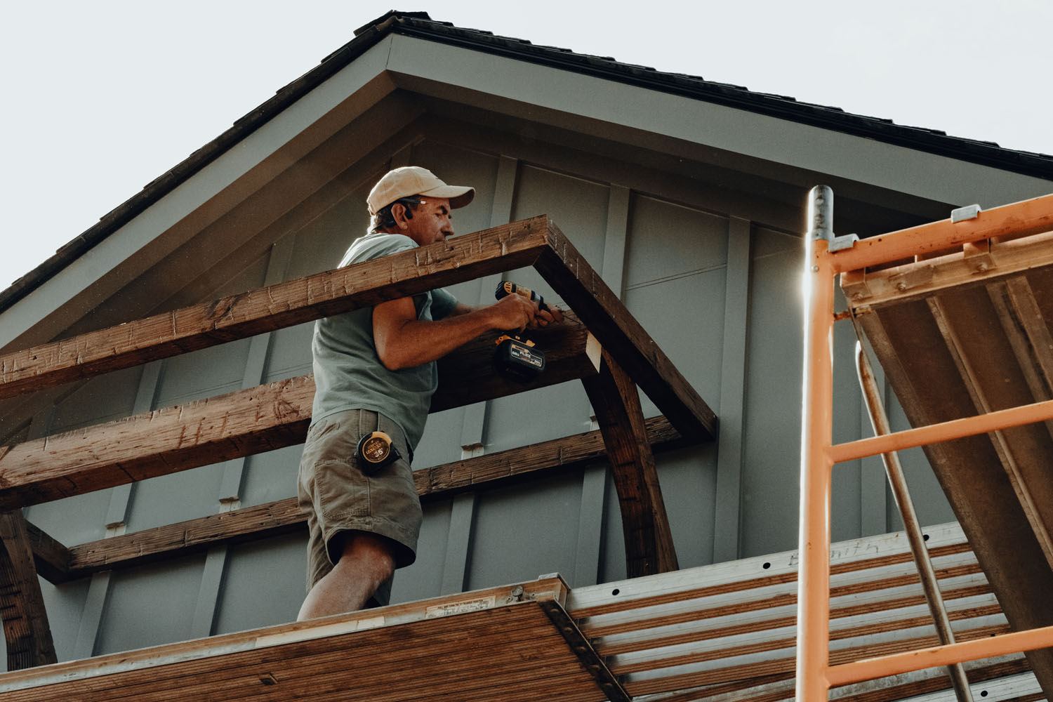 LA Construction team at work, an East Tennessee custom home builder.