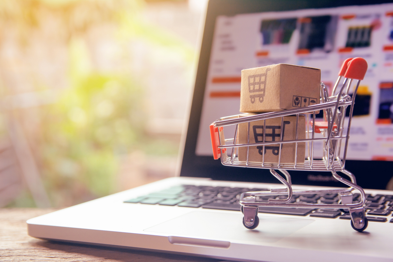 Should You Still Use Standard Shopping with Smart Shopping Campaigns?