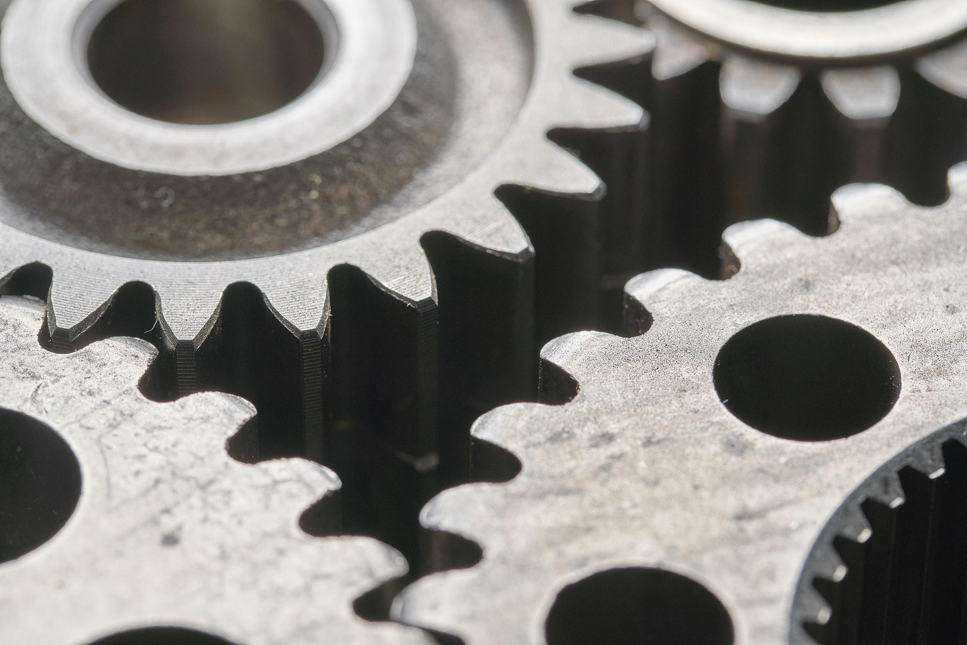 Tekort aan onderdelen staat herstel industrie in de weg