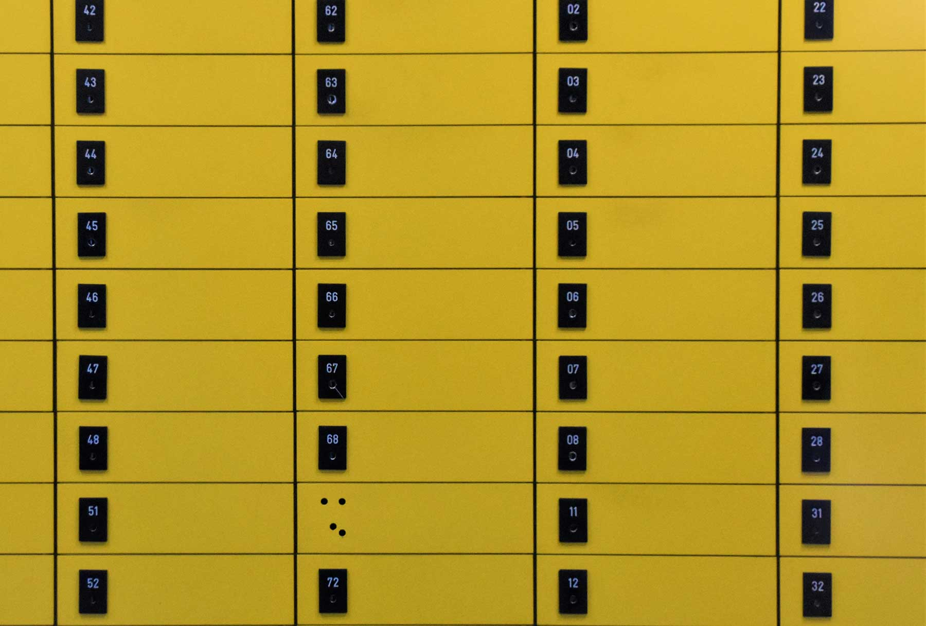 Picture of a yellow postal pickup store