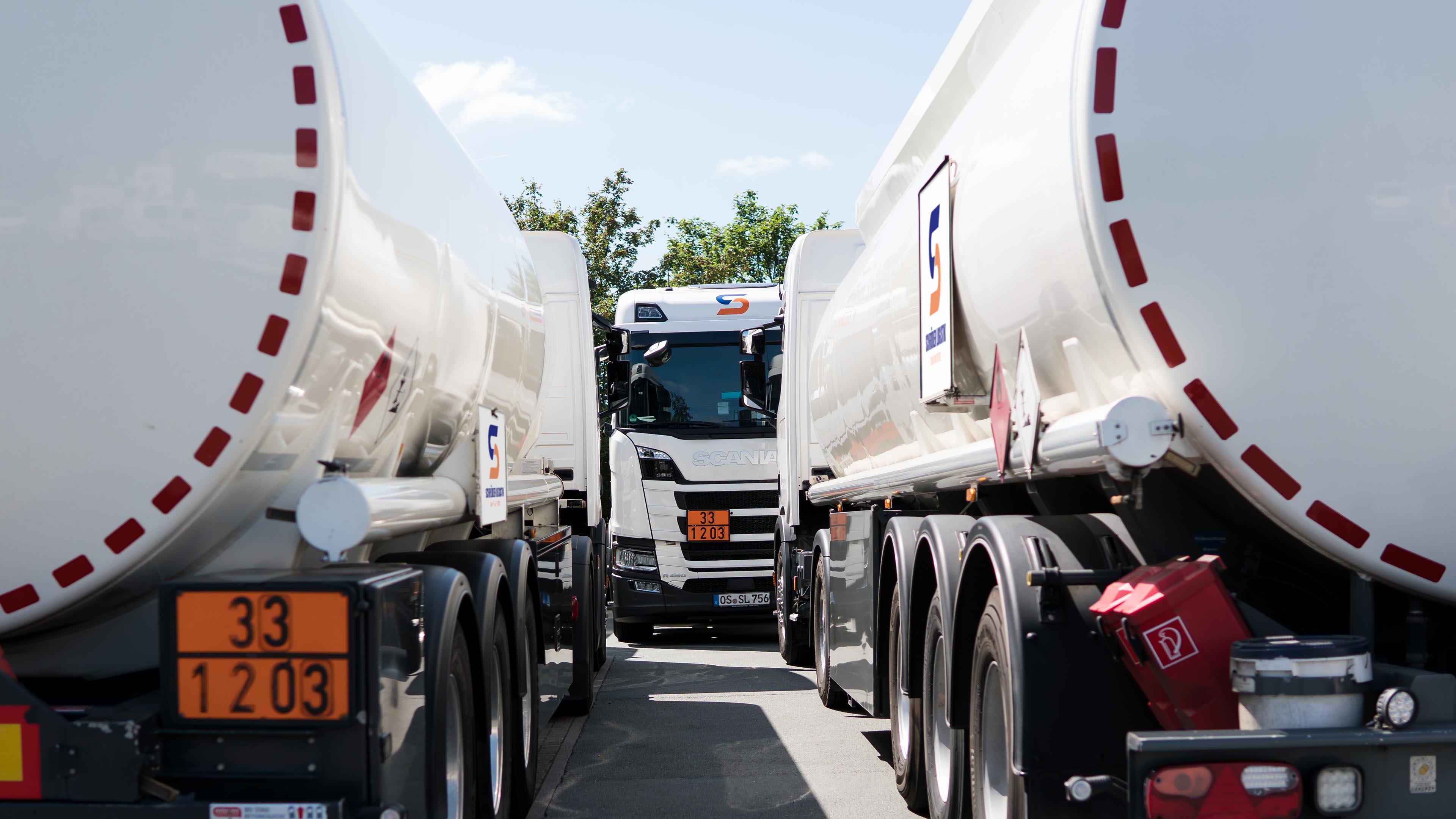 Schröder Logistik Tanktransporte 24 Stunden, Mengenplanung und Gefahrgut