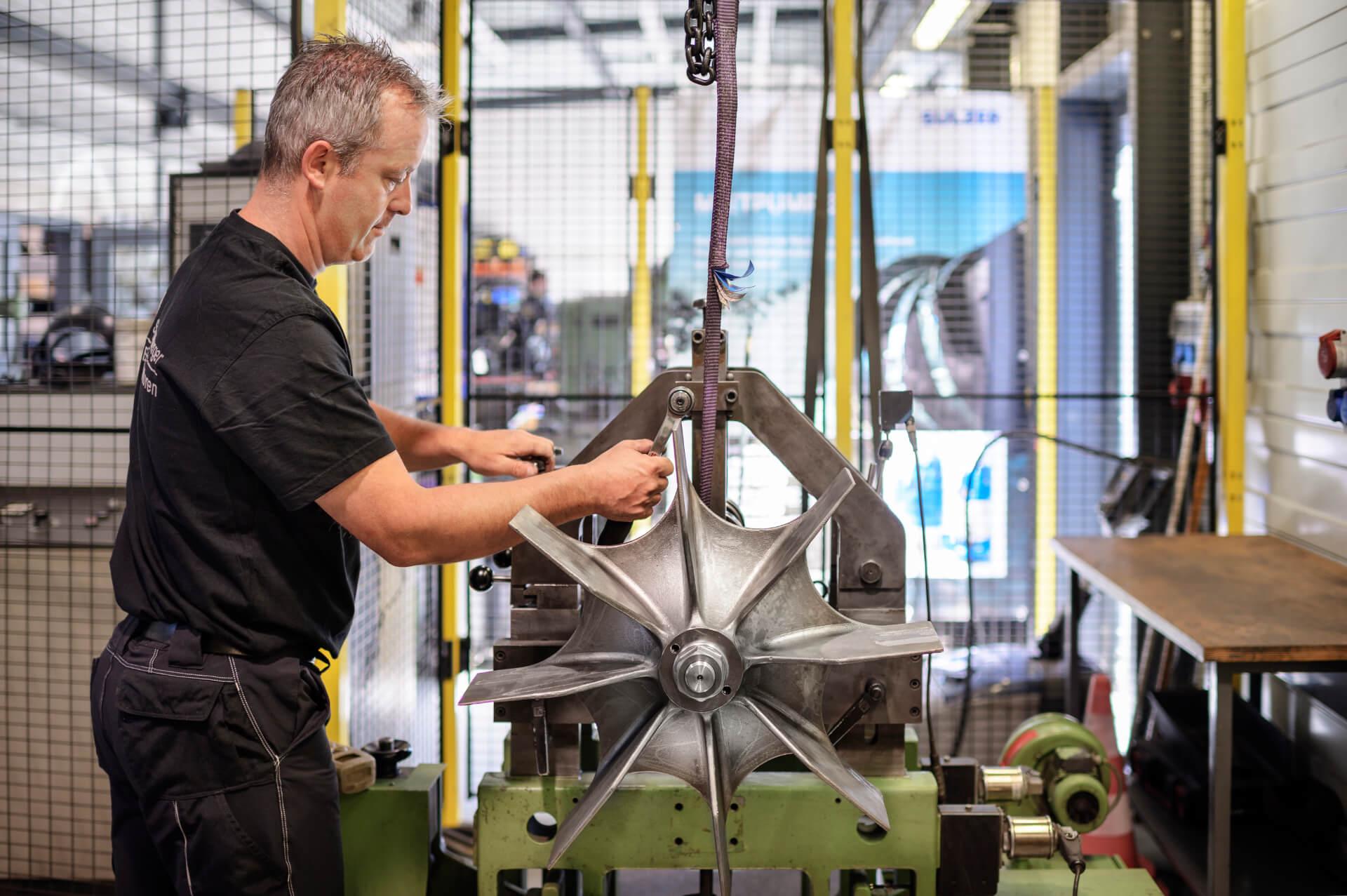Schlumpberger - Auswuchten von Elektromotoren in der Werkstatt