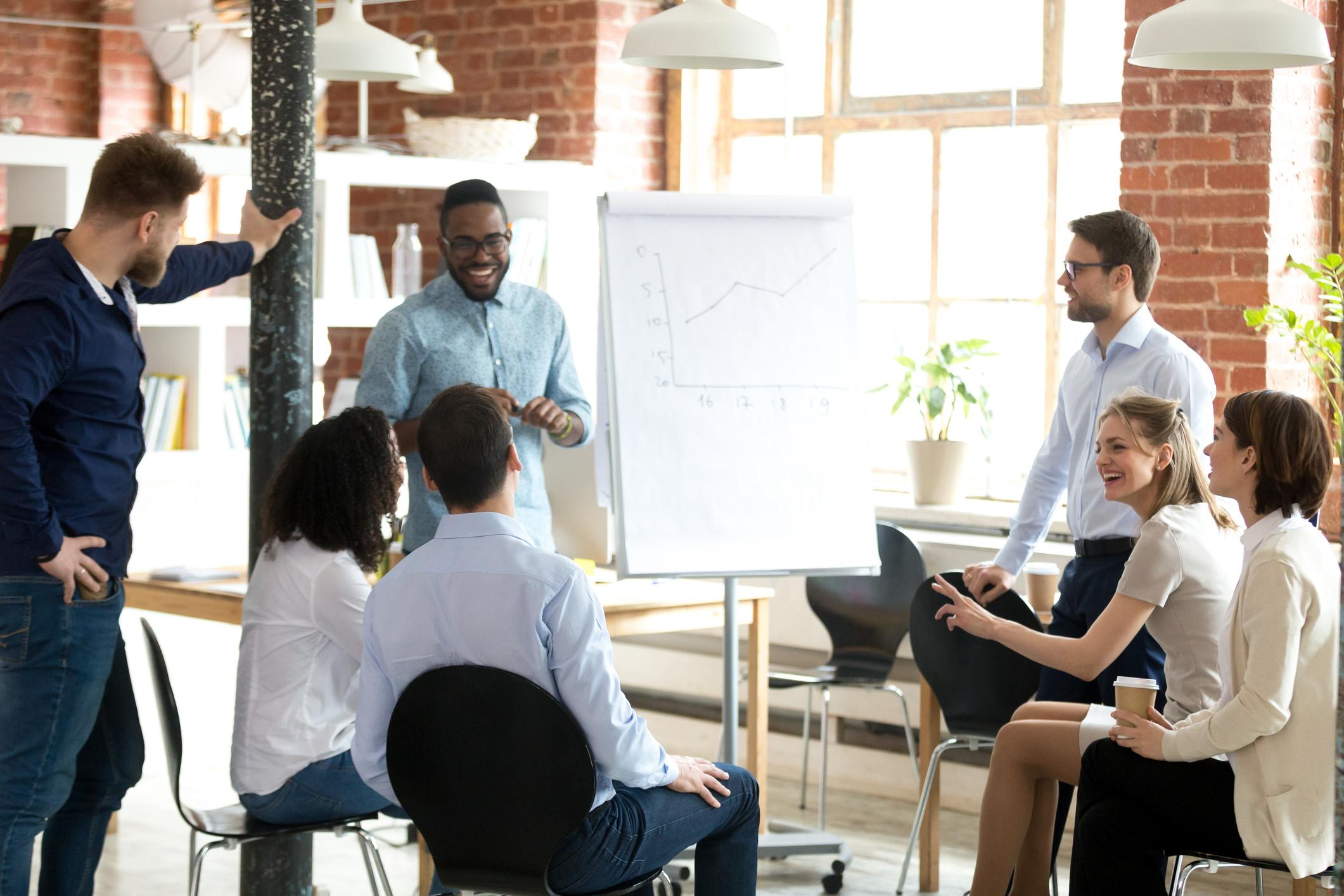 In einem effizienten Format erarbeiten wir gemeinsam mit den Entscheidern, was die wichtigsten Herausforderungen sind.