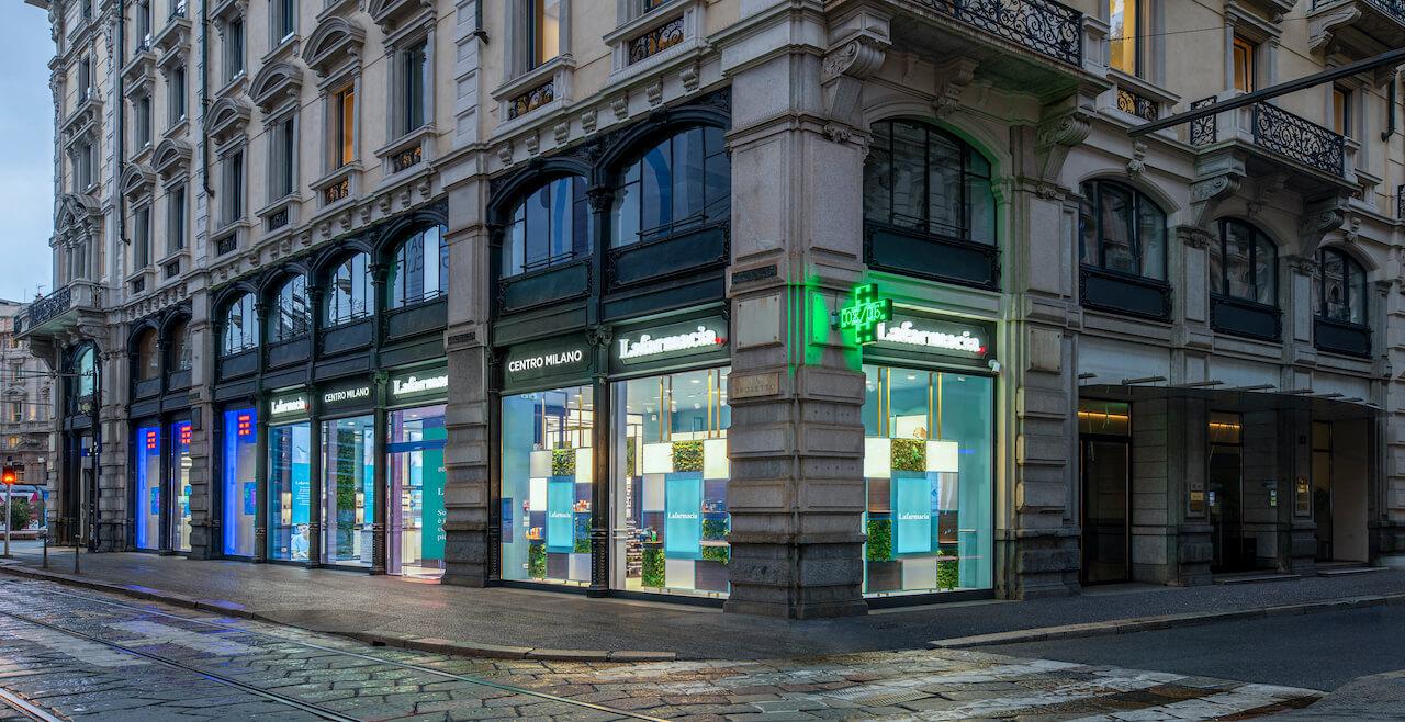 Flagship store Milano esterni lafarmacia hippocrates