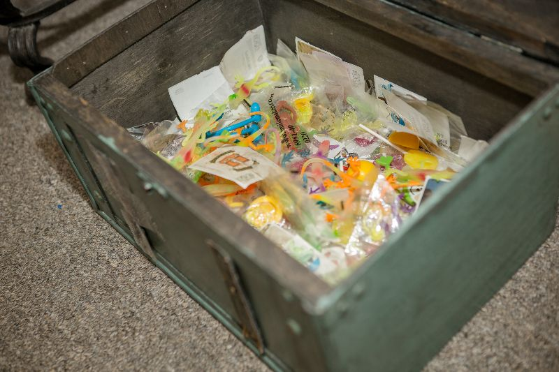 kids' prize chest