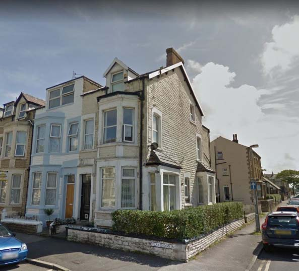 2 flats end of terrace House Located in Morecambe
