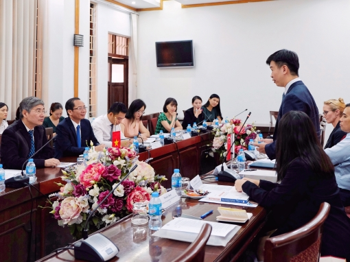 The Chandler Institute of Governance signs a Memorandum of Understanding with the Hanoi University of Home Affairs to establish a long-term partnership